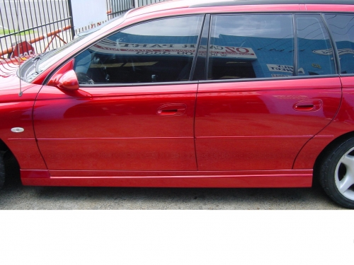 16 VY CLUBSPORT WAGON SIDE SKIRTS TO SUIT VX .JPG
