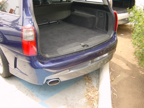 7 VY CLUBSPORT WAGON REAR BAR .JPG