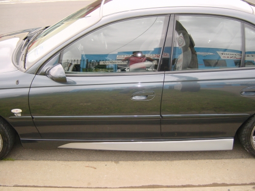 8 VX CLUBSPORT SIDE SKIRTS .JPG