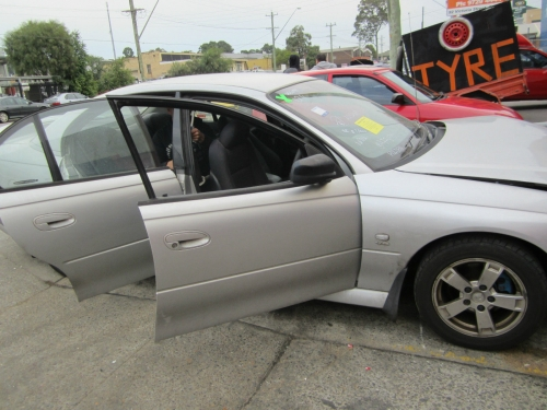 Holden Commodore Vy S v6 auto CURRENTLY WRECKING 1WHEEL NUT