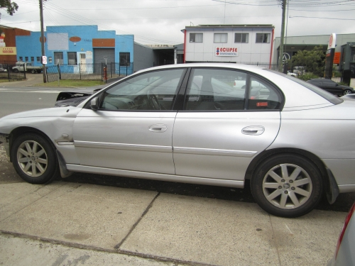 Holden Commodore Vy v6 auto series 2 CURRENTLY WRECKING 1WHEEL NUT