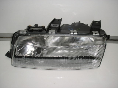 HOLDEN COMMODORE VN HEADLIGHT R/H BRAND NEW