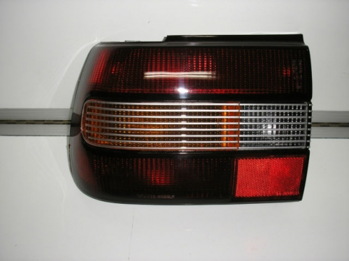 HOLDEN COMMODORE VN CALAIS TAIL LIGHT BRAND NEW LEFT