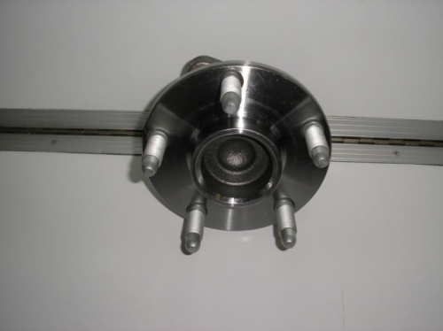 HOLDEN COMMODORE VE WM FRONT HUB ABS brand new R/H