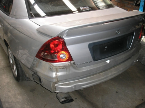 Holden Commodore vy s pack silver colour WRECKING AUTO 1WHEEL NUT
