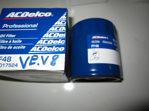 HOLDEN COMMODORE VE V8 OIL FILTER BRAND NEW GENUINE