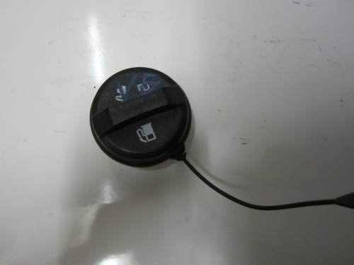 HOLDEN COMMODORE VE WM V6 FUEL CAP