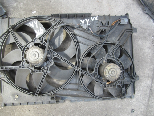 HOLDEN COMMODORE VY V6 ENGINE RADIATOR THERMO FAN GENUINE