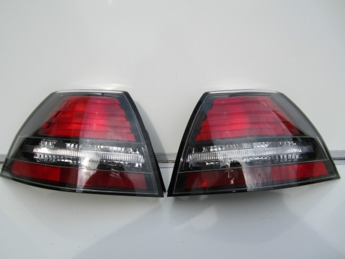 HOLDEN COMMODORE VE CALAIS TAIL LIGHTS BRAND NEW pair