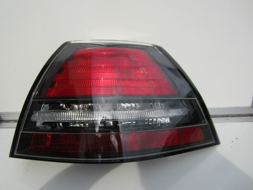 HOLDEN COMMODORE VE CALAIS TAIL LIGHT R/H BRAND NEW