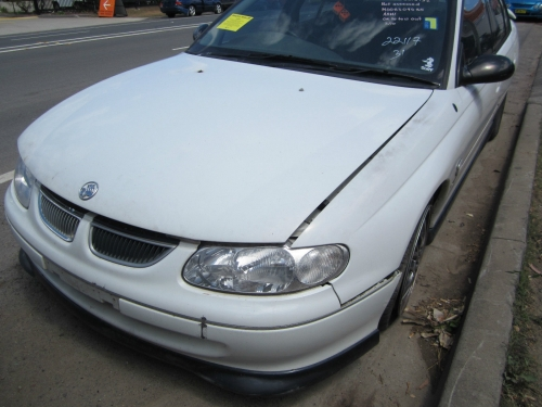 Holden Commodore VT v6 manual WRECKING all the parts available 1WHEEL NUT