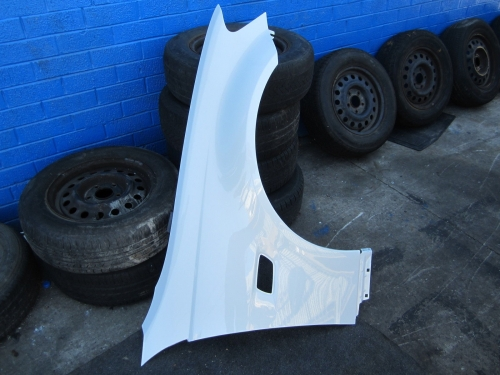 HOLDEN COMMODORE VE GUARD VE SV6 OMEGA FENDER white NEW RH SIDE DRIVER SIDE R/H