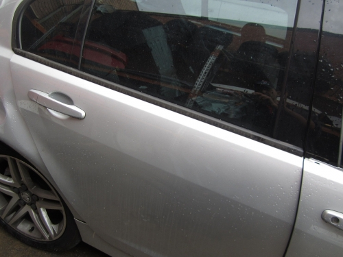 HOLDEN COMMODORE VE DOOR REAR R/H SIDE DOOR REAR VE SILVER DOOR RIGHT REAR