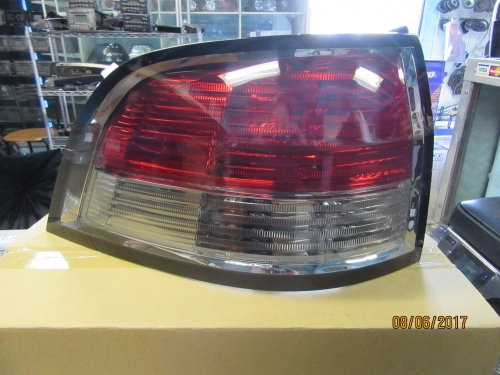 HOLDEN COMMODORE VE STATION WAGON TAIL LIGHT L/H BRAND NEW GENUINE