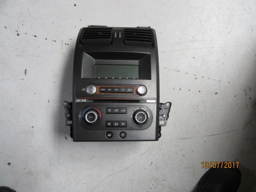 FORD TERRITORY RADIO SINGLE CD PLAYER / HEAD UNIT / AIR CONDITIONING SWITCH