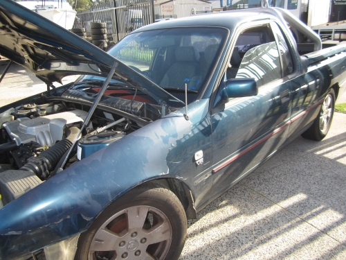 HOLDEN COMMODORE VS UTE MANUAL V6 CURRENTLY WRECKING 1WHEEL NUT