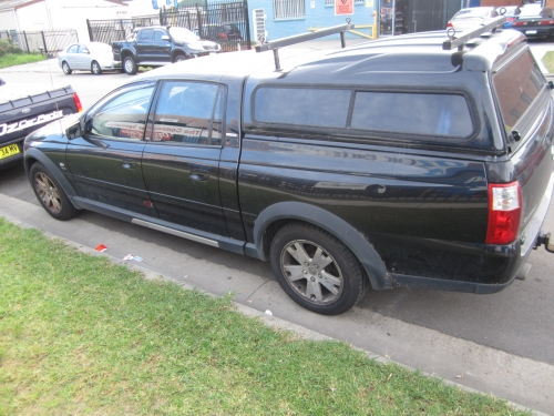 HOLDEN CREWMAN CROSS 8 V8 5.7 GEN3 CURRENTLY WRECKING