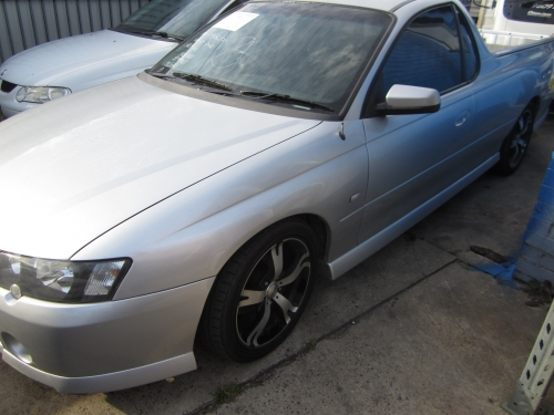 HOLDEN COMMODORE VY SS V8 5.7 GEN3 CURRENTLY WRECKING