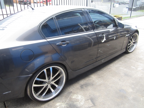 Holden Commodore VE V6 SEDAN CURRENTLY WRECKING 1WHEEL NUT