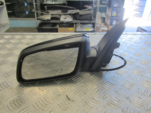 HOLDEN COMMODORE VF ELECTRIC DOOR MIRROR LH WITH BLIND SPOT